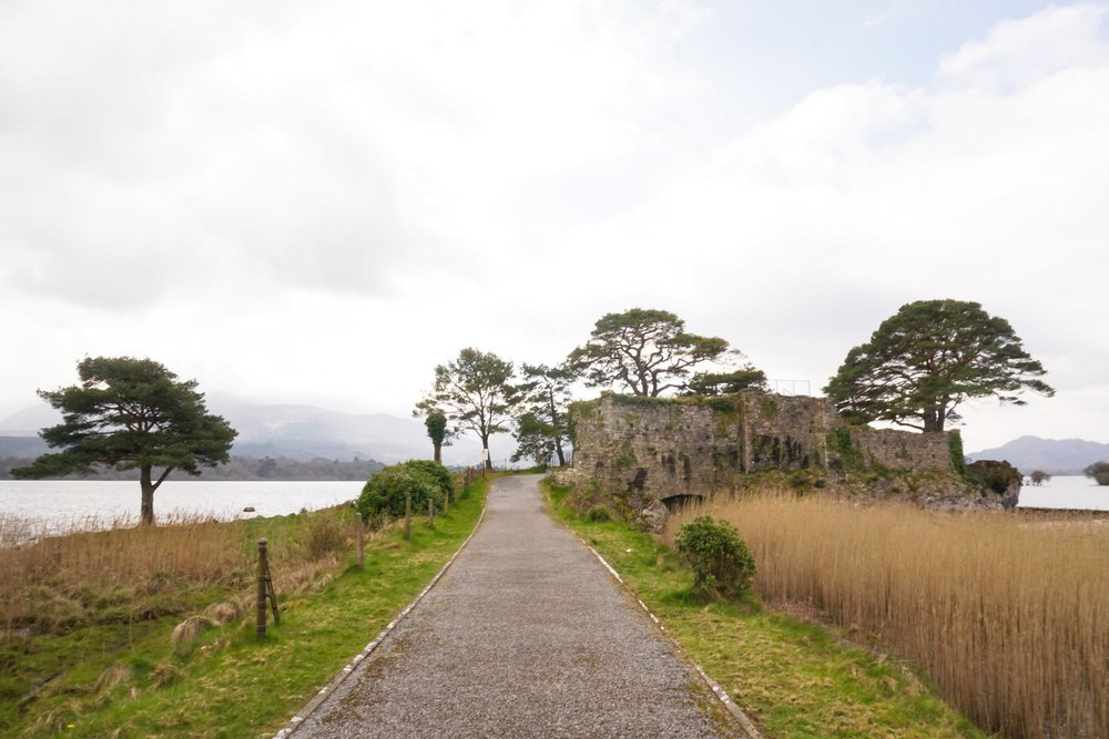 curio.trips.ireland.killarney.castle.lake.jpg