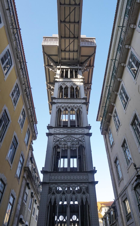 curio.trips.portugal.lisbon.elevator.jpg
