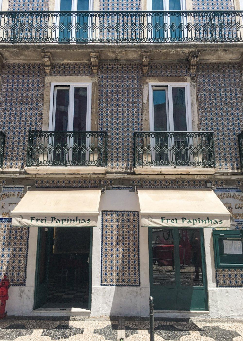 curio.trips.portugal.lisbon.architecture.jpg