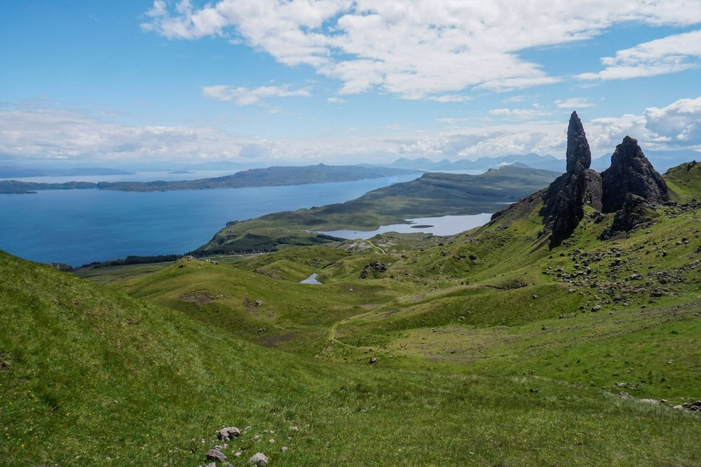 curio.trips.scotland.isle.of.skye.old.man.view.jpg