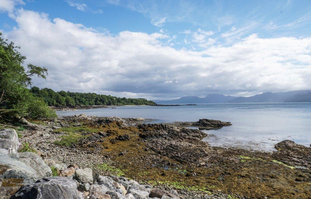 curio.trips.scotland.isle.of.sky.lake.jpg