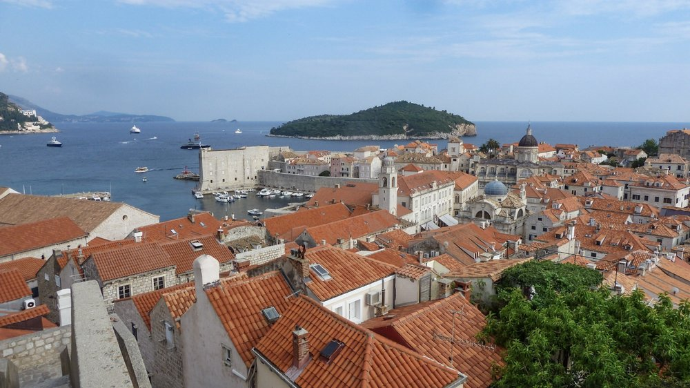 curio.trips.croatia.dubrovnik.from.wall.jpg