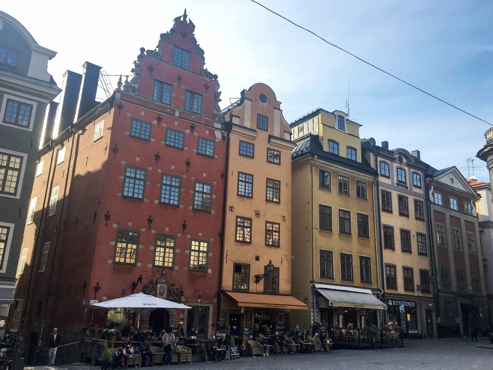curio.trips.sweden.stockholm.gamla.stan.iphone.landscape.jpg