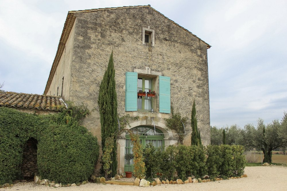 curio.trips.provence.farmhouse.jpg