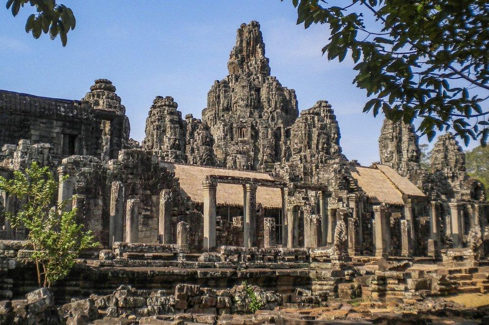 curio.trips.cambodia.angkor.wat.2.jpg