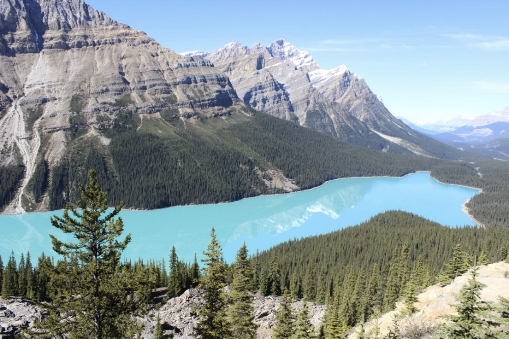 CAPTURE THE BLUE LAKES OF BANFF