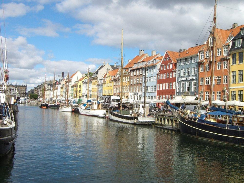 BIKE THE STREETS OF COPENHAGEN
