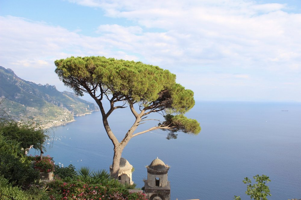 DRIVE THE STUNNING AMALFI COAST