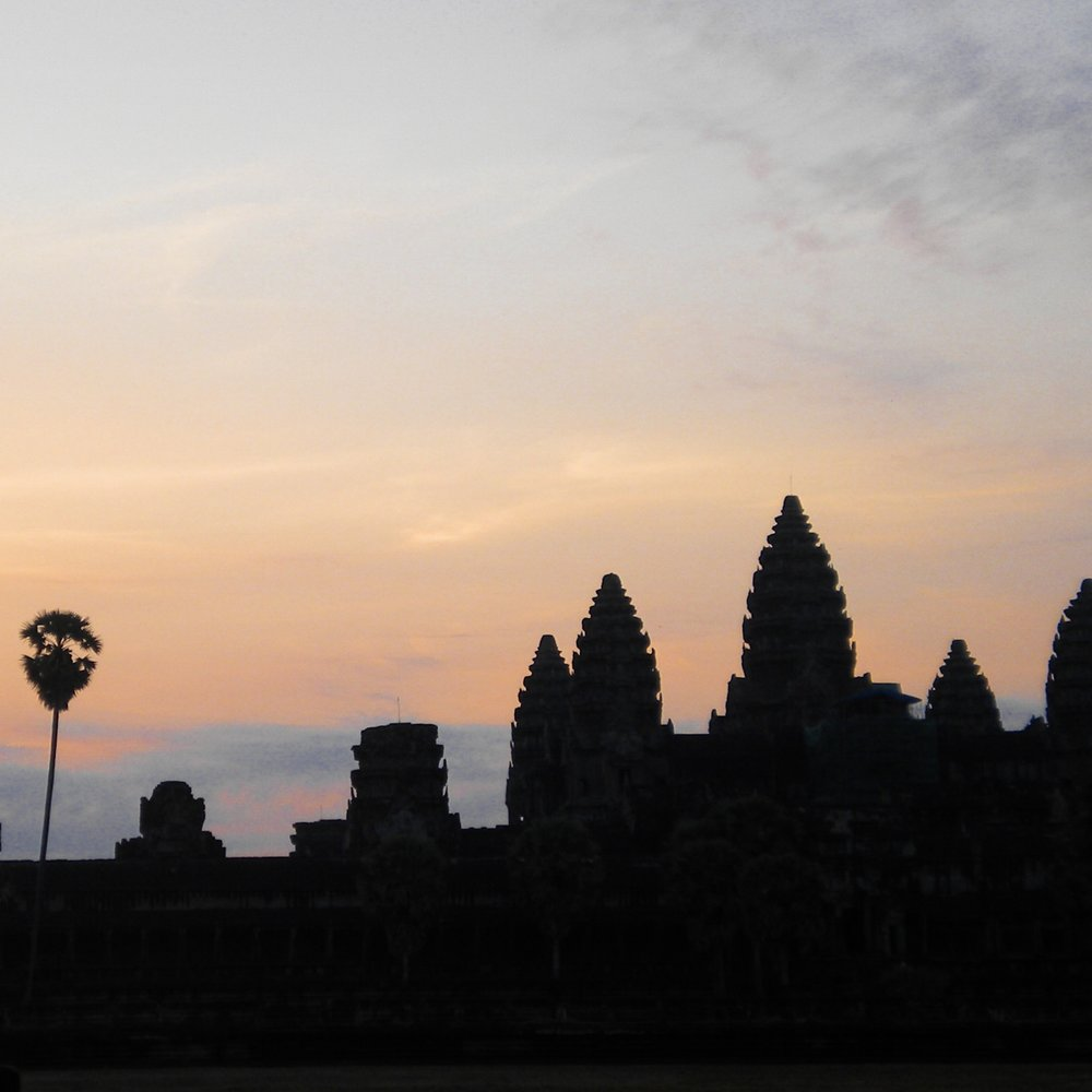 WATCH SUNRISE AT ANGKOR WAT
