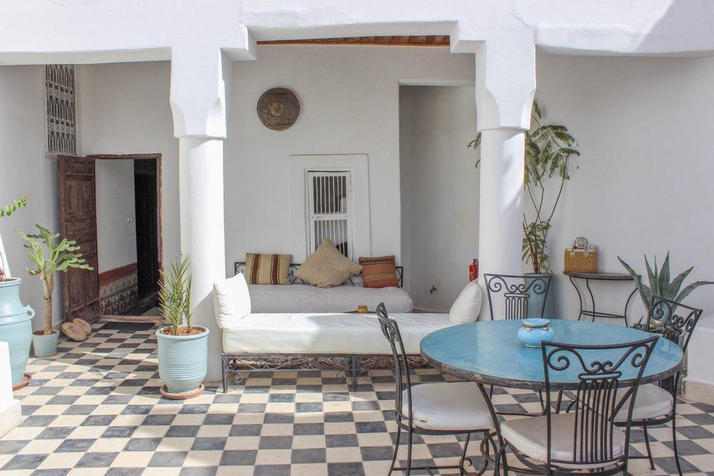 curio.trips.morocco.marrakesh.hotel.chill.spot.jpg