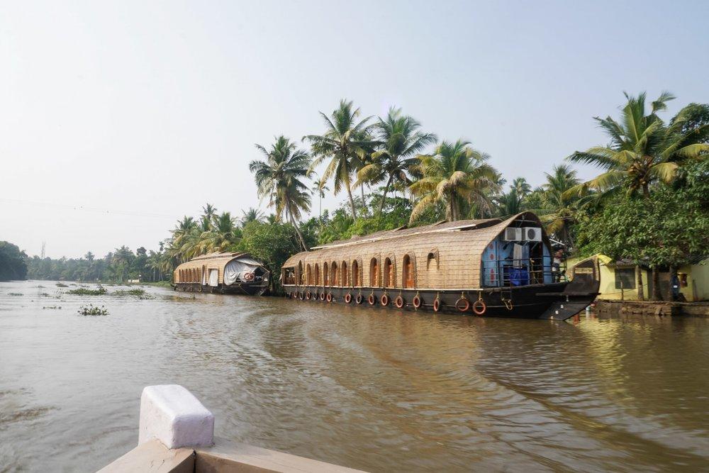 curio.trips.india.kerala.house.boat.hotel.jpg