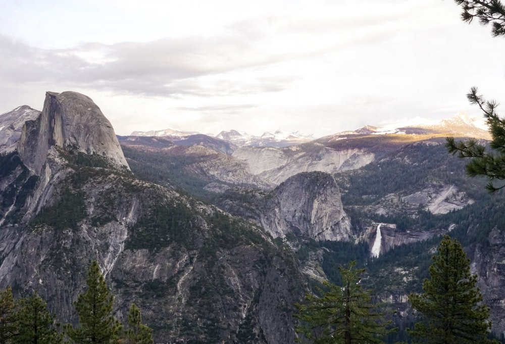 curio.trips.usa.cali.yosemite.np.half.dome.panoramic.view.jpg