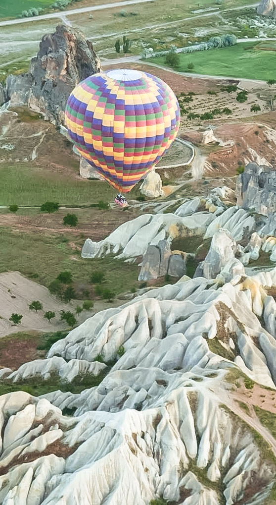 curio.trips.turkey.cappadocia.hot.air.balloon.solo.portrait.jpg