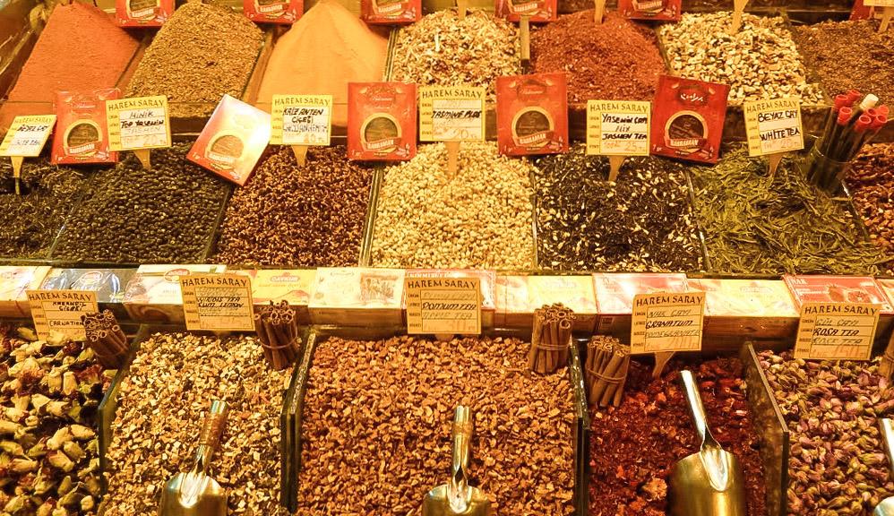 curio.trips.turkey.istanbul.grand.bazaar.spices.jpg