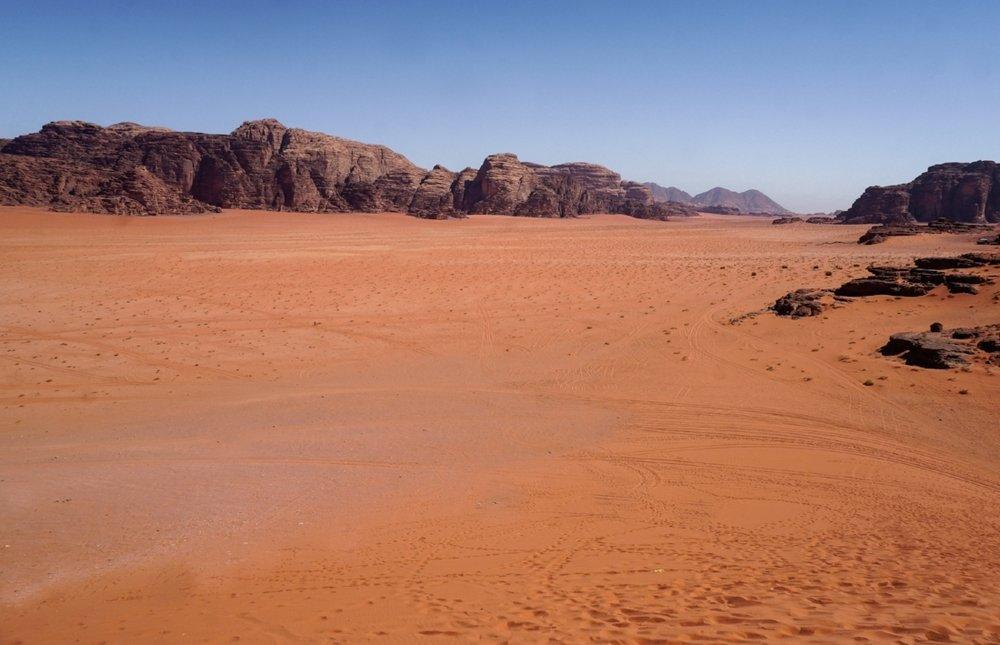 curio.trips.jordan.wadi.rum.orange.sand.landscape.jpg