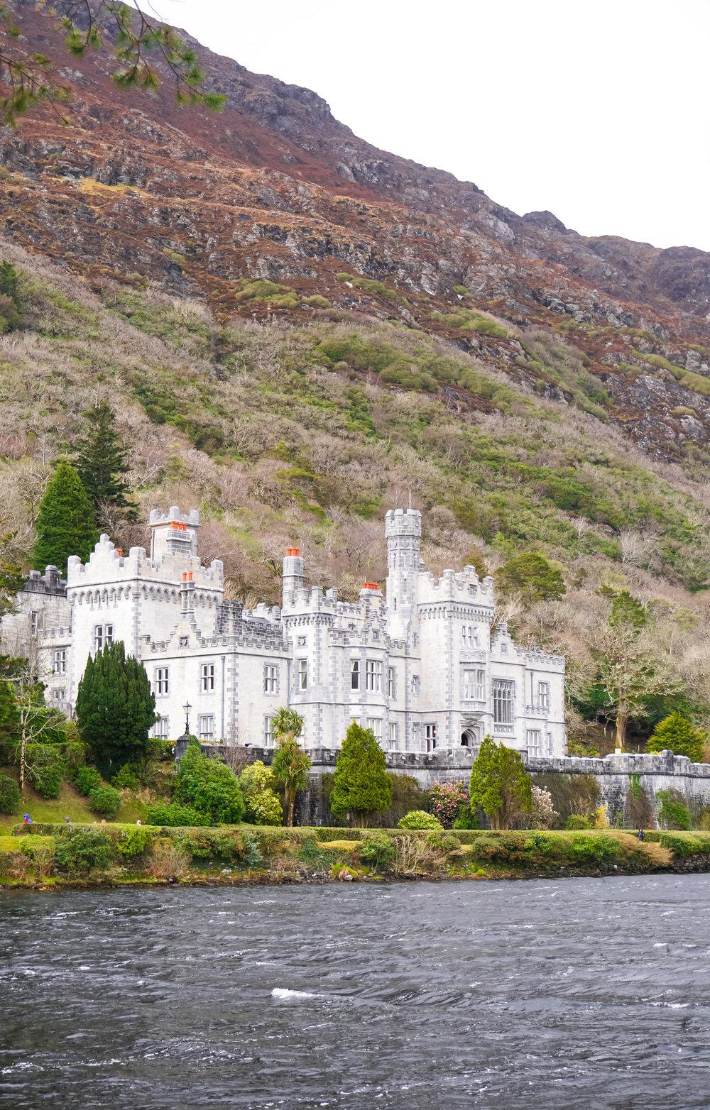curio.trips.ireland.connemara.np.kylemore.abbey.portrait.jpg