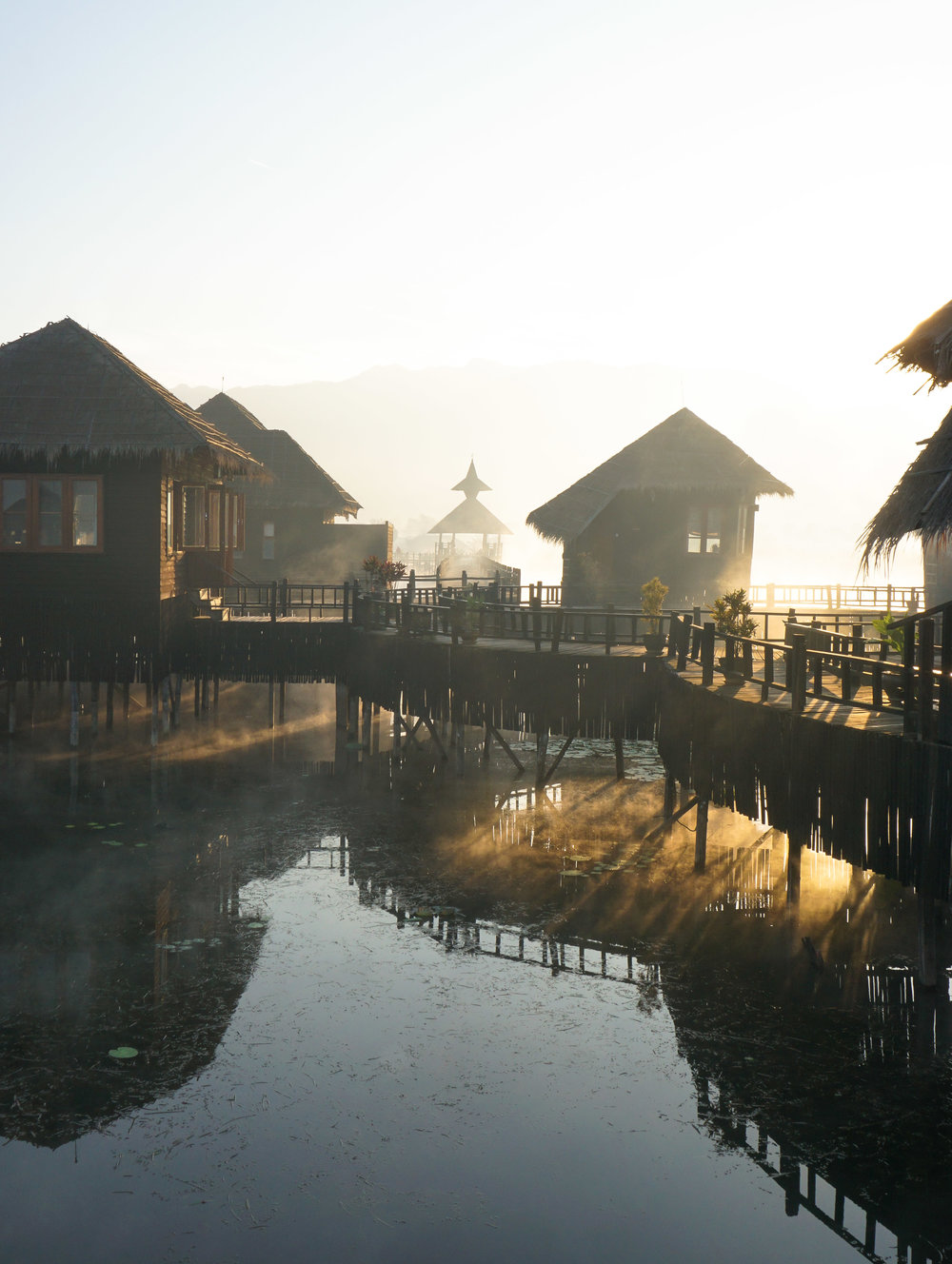 curio.trips.myanmar.inle.lake.hotel.misty.morning.sun.highlight.portrait-3.jpg
