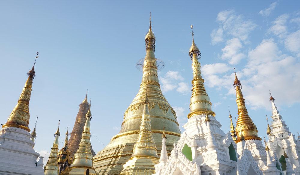 curio.trips.myanmar.yangon.pagoda.rooftops.landscapes.jpg