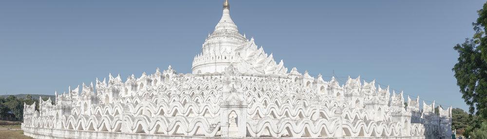 curio.trips.myanmar.mandalay.white.temple.pano-3.jpg