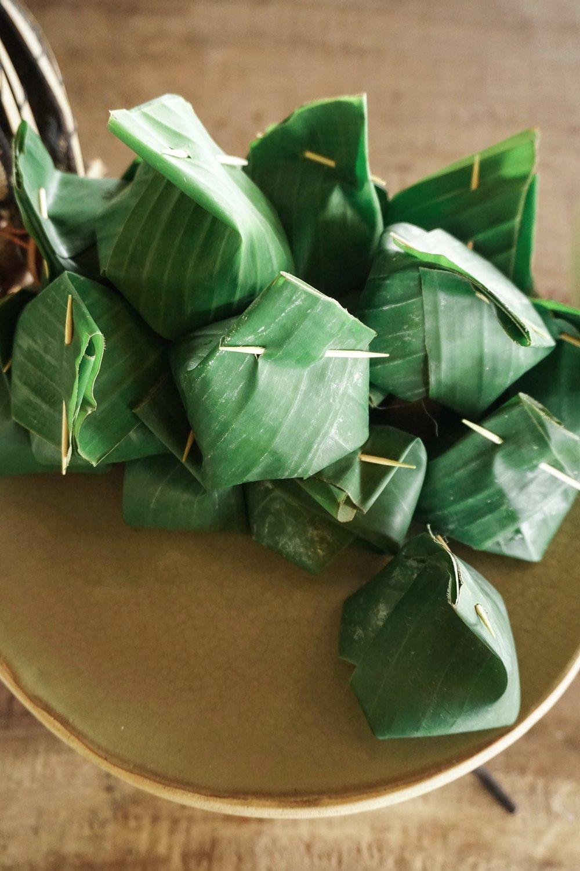 curio.trips.thailand.chiang.rai.banana.leaf.rice.portrait.jpg