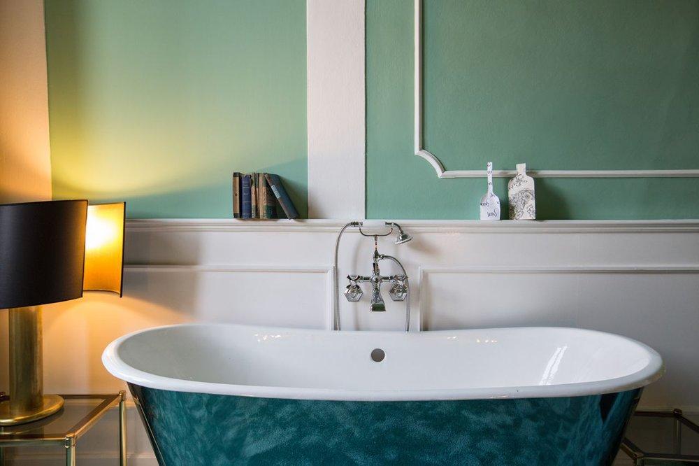 ad astra superior double bath.jpg