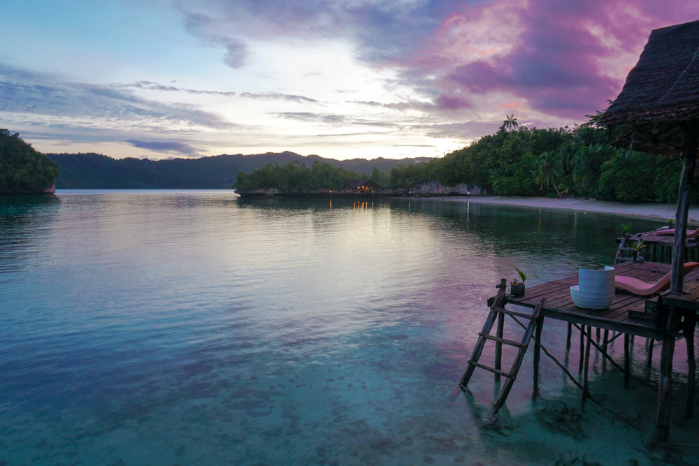 curio.trips.indonesia.raja.ampat.private.island.sunset.landscape-2.jpg