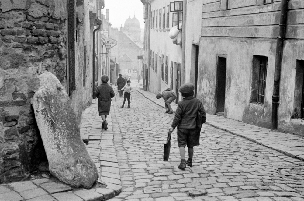 Children playing in the Jewish quarter, Bratislava. 1935-38 by Roman Vishniac.jpg