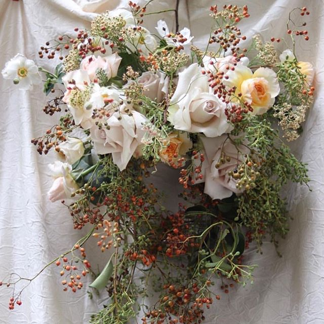 "Autumn bouquet ""la Cecilia"", #villaceciliacorfu #parfumflowercompany #ceciliaweddings #rosesandlove #romanceisthedeepestthinginlife"