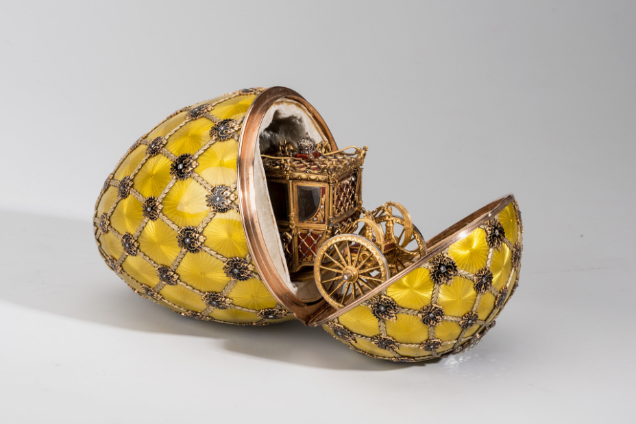 Another angle of the Coronation Egg. Image from the Fabergé Museum.