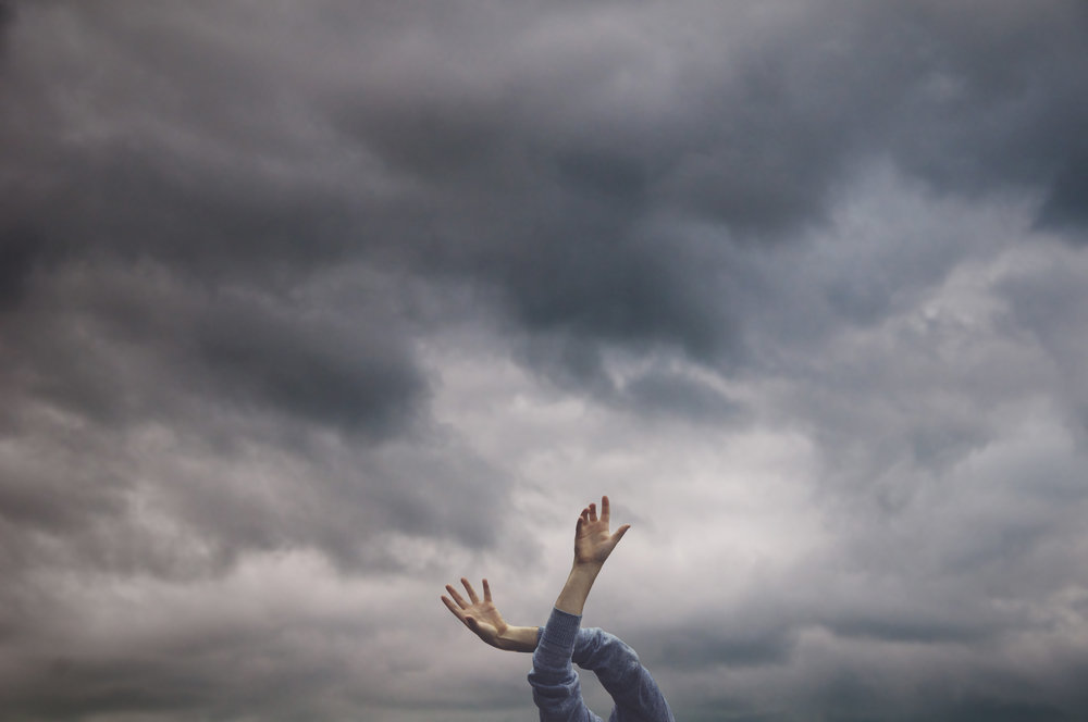 hand_clouds.jpg
