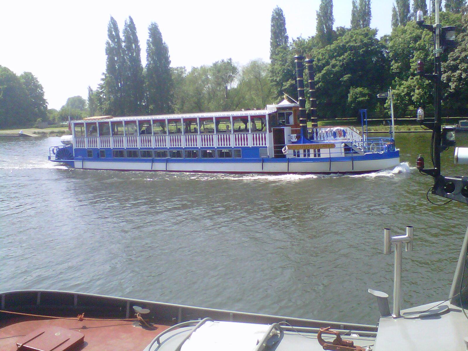 Kingston upon Thames-20120522-00390