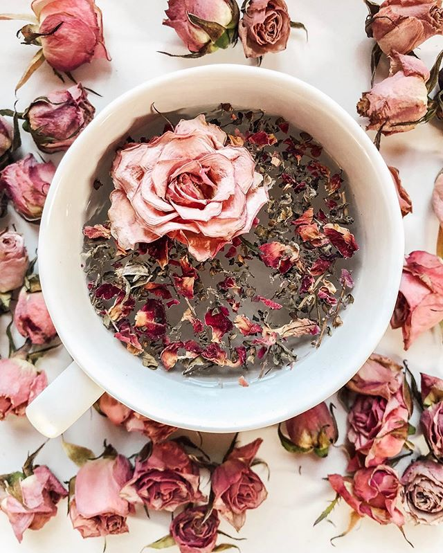 It's called Cup of Love. How fitting. Happy Tea Tuesday, friends.  Today's Tea: Cup of ❤️, by @bighearttea is made of rose petals and tulsi(holy basil). B E N E F I T S 1. Rose's sweet and warming properties are widely known for nourishing the skin. Rose also regulates qi(flow of energy), assists the liver in detoxification, circulates the blood and helps restore the spleen, which improves digestion. 2. Tulsi(holy basil) is a powerful plant that is known for dissolving cortisol in the body(WHAT). Yes, it's true. It's considered an elite plant for reducing stress, calming your nervous system and for bringing harmony into the mind and body. SO...glowing skin and stress reduction, how could you pass this up?  Tea thought: Baseball season is right around the corner and it's pretty much all I'm thinking about. I'm not worried or stressed. I'm calm. All I want to do is make this season better than the last. That's my goal, every year. Will talk more about it in my next bloggy-blog. ✌🏻❤️⚾️🌹
