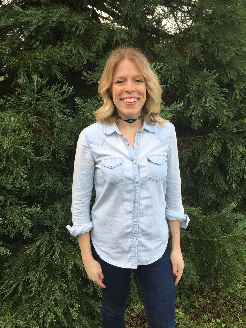 Zaleska Beaded Choker paired with GAP denim shirt and Guess Jeans