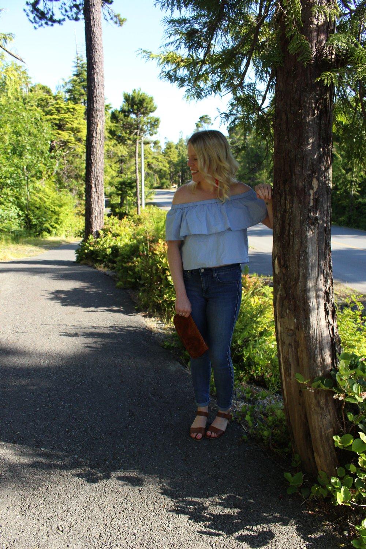 Topshop Bardot Top, GAP Jeans, Steve Madden Block Heel Sandals, Vintage Clutch, Zara Earrings