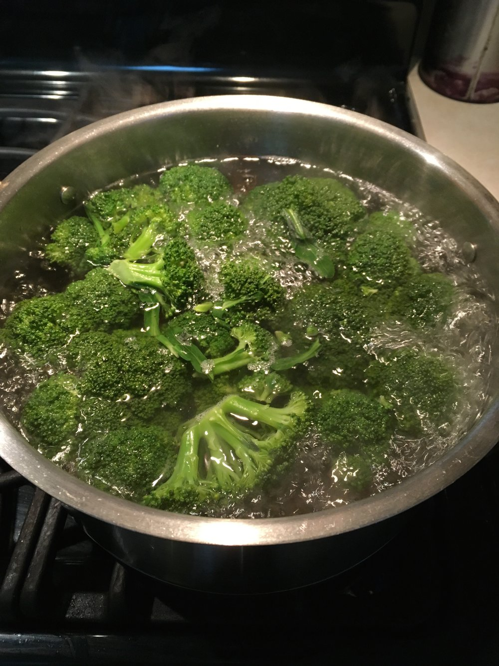 Boiling the broccoli
