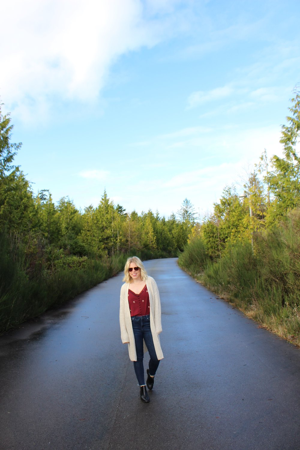 GAP    Cardigan,    Topshop    Embroidered Silk Tank,    Topshop    Jeans,    Topshop    Leather Chelsea Boots,    Ray Ban    Sunglasses