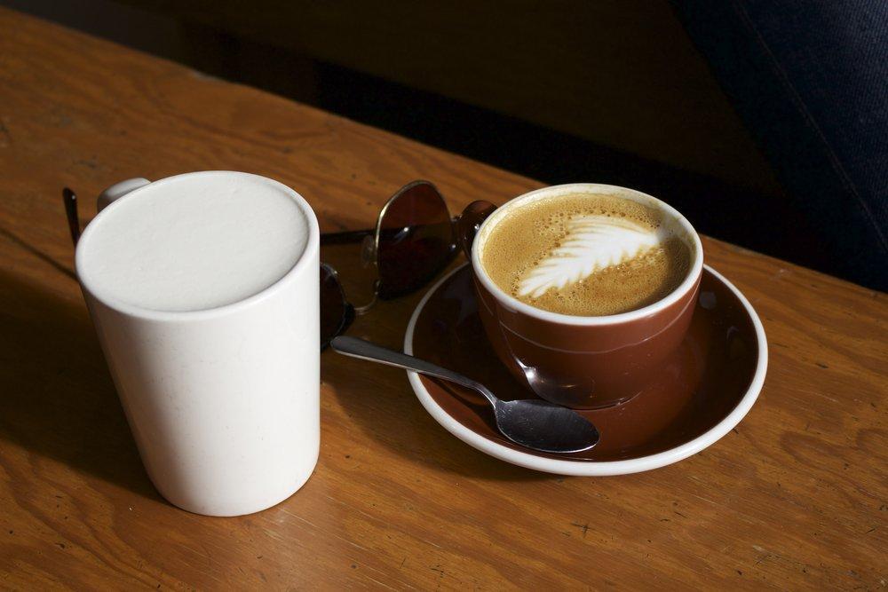 Sunny coffee dates at Habit