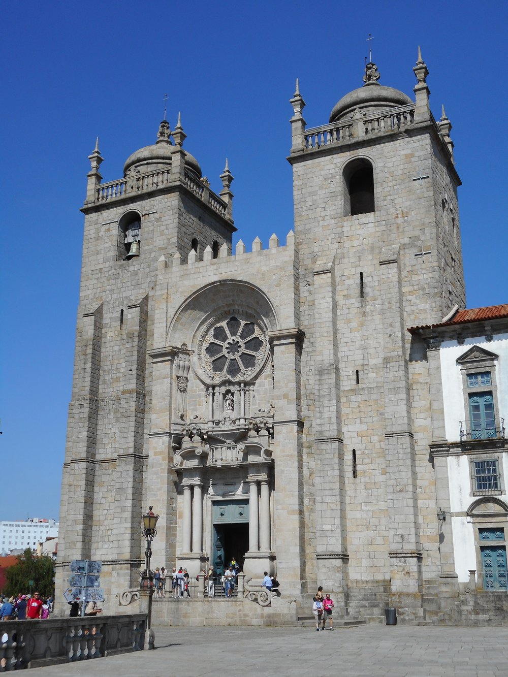 The beautiful Porto Cathedral