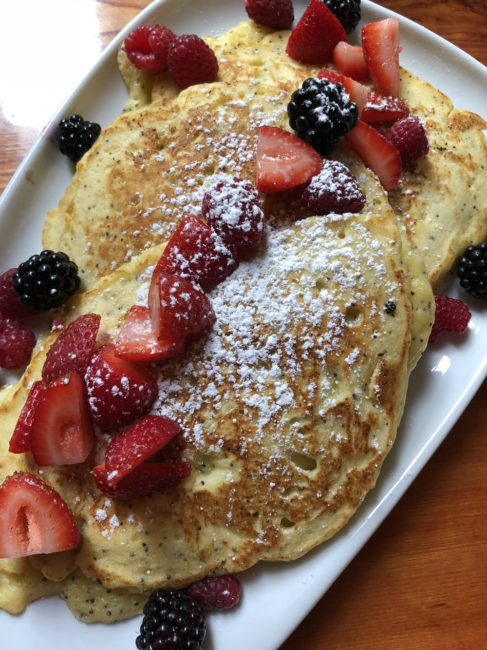 I am still dreaming about this brunch: Lemon Ricotta & Poppyseed Pancakes