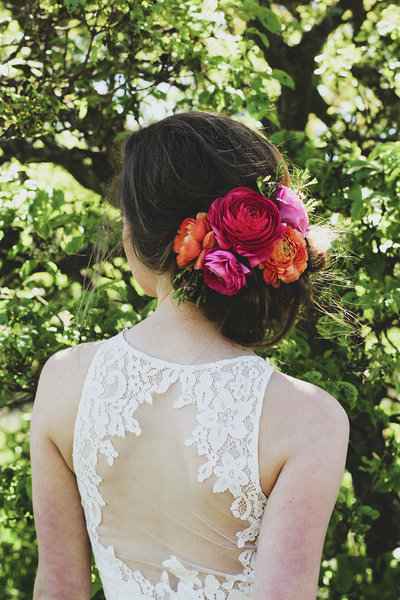 Styled florals in a beautiful brides hair by   Chiara Sparanese Photography