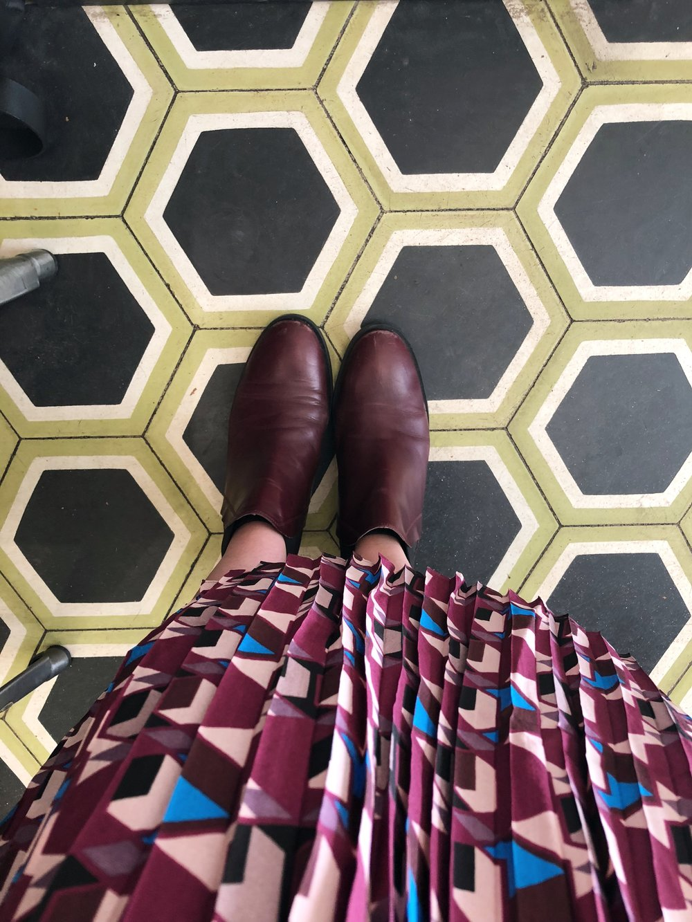 These tiles were to die for, plus they went well with my skirt!