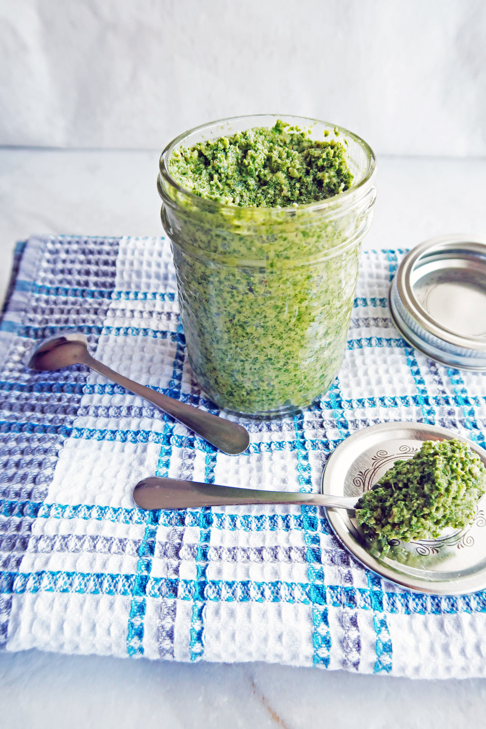 5 Minute Kale Walnut Pesto: An easy, delicious, gluten-free sauce. www.yayforfood.com