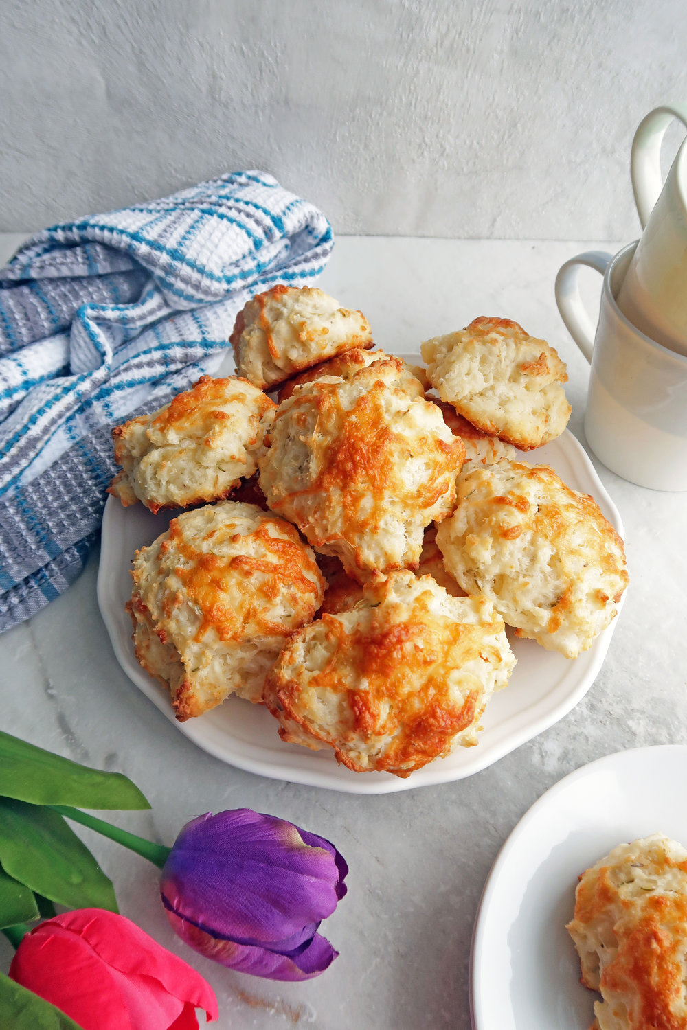 Quick Rosemary Cheddar Drop Biscuits: A quick and easy snack or side dish with a crispy outside and fluffy inside. www.yayforfood.com