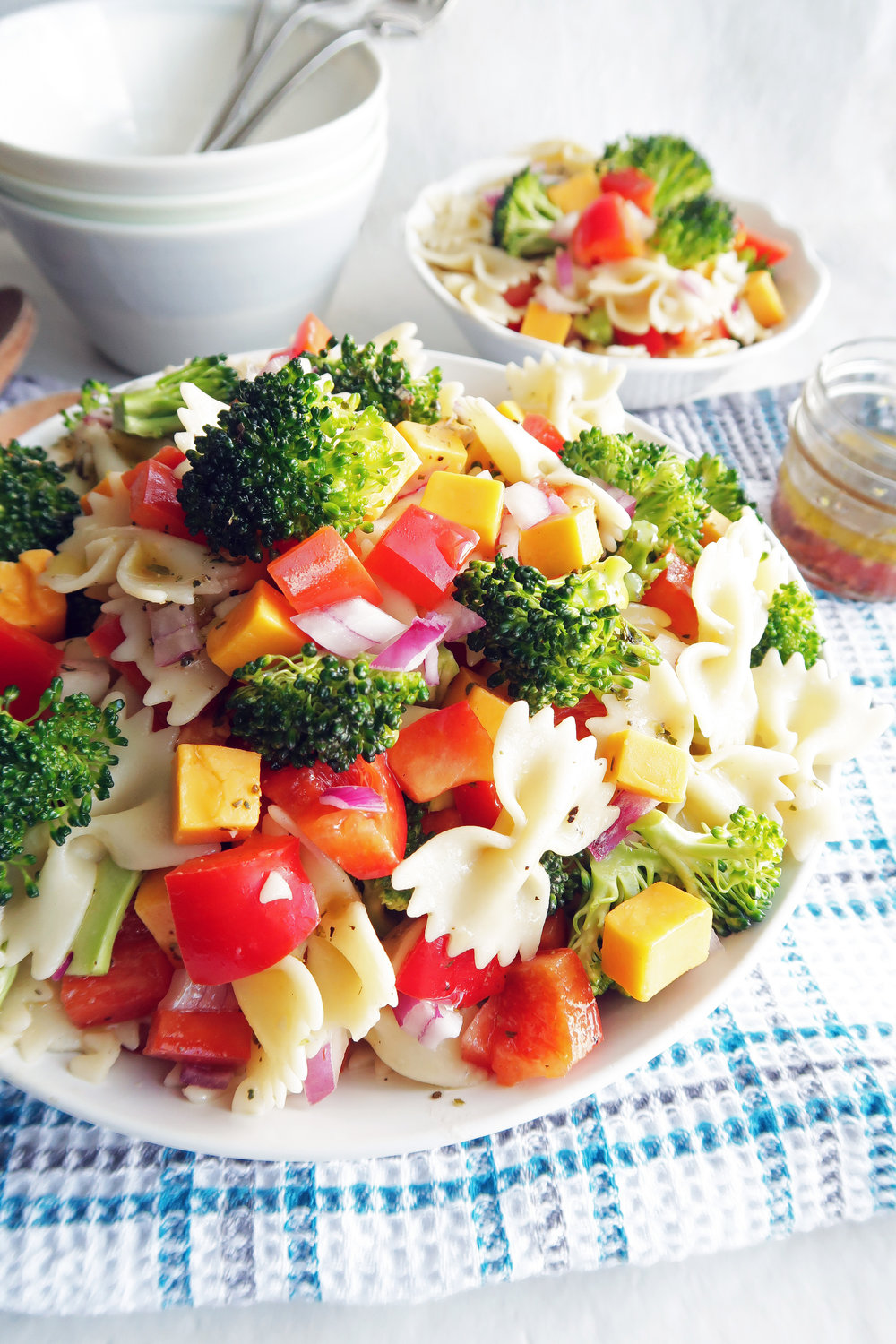 Broccoli Cheddar Pasta Salad with Tangy Italian Vinaigrette: A simple, zesty, and colorful take on a summer classic; great for sharing! www.yayforfood.com