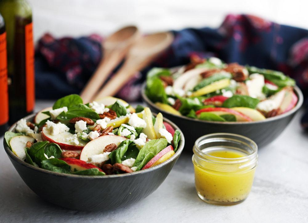 pear_apple_spinach_salad(h3).jpg
