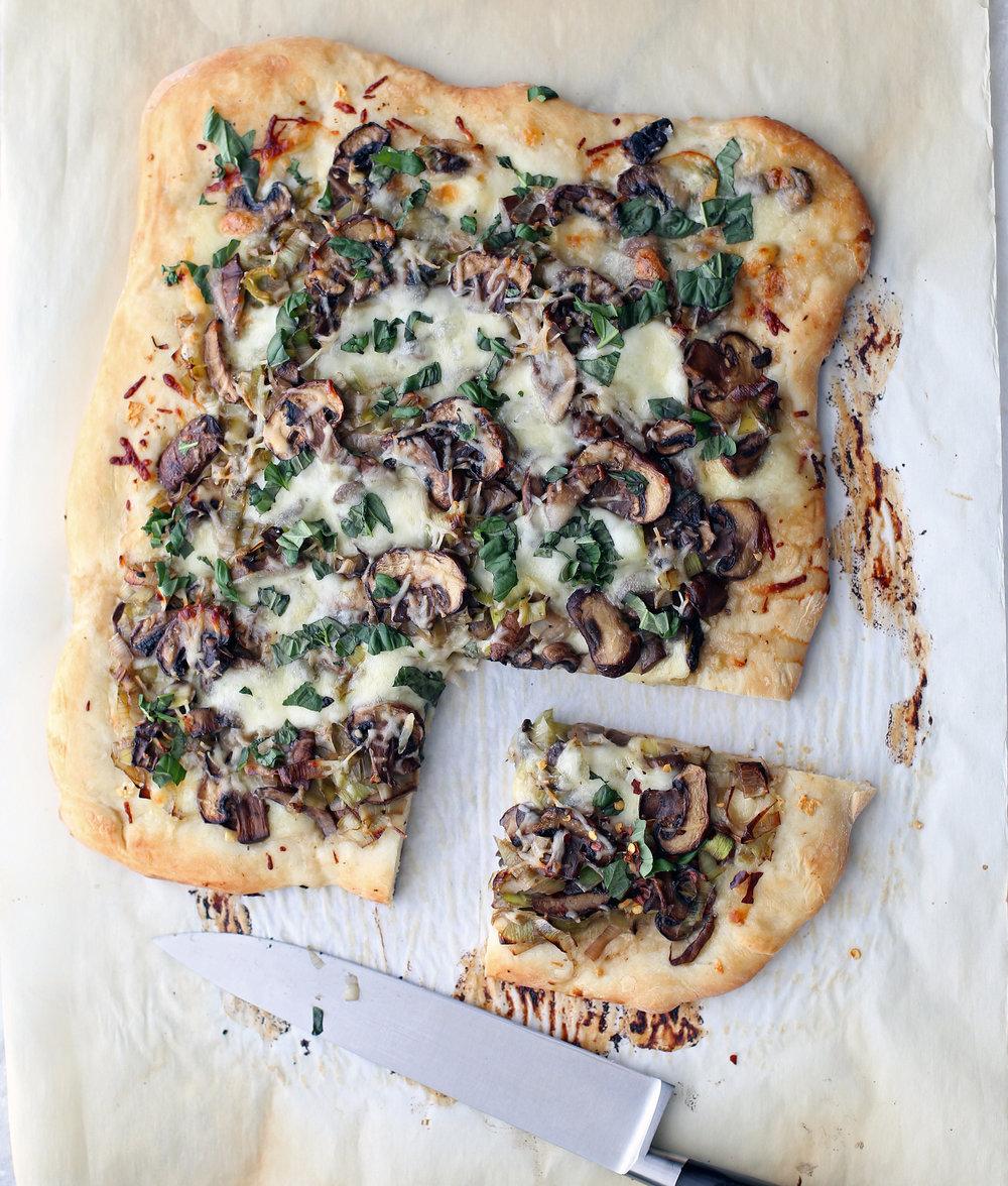 mushroom_leek_pizza(v1).jpg