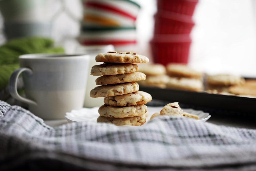 crunchy_almond_cookie(h2).jpg