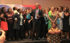 Haitian president Michel Martelly visits the women involved in drafting a National Platform of Action in Port-au-Prince on March 1, 2012. (Photo: Haitienne Magazine)