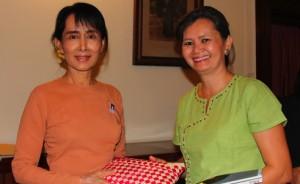 Mu Sochua meets Aung San Suu Kyi