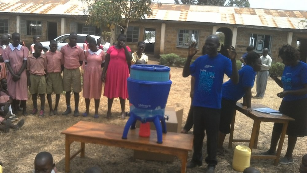 The new water filter being delivered to Ratanga Primary School